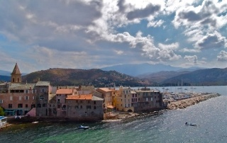 FRANCE: Corsica Travel Tips | THEWANDERINGHOUSEWIFE.COM