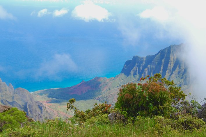 HAWAII: Napili Coast in Kauai | THEWANDERINGHOUSEWIFE.COM
