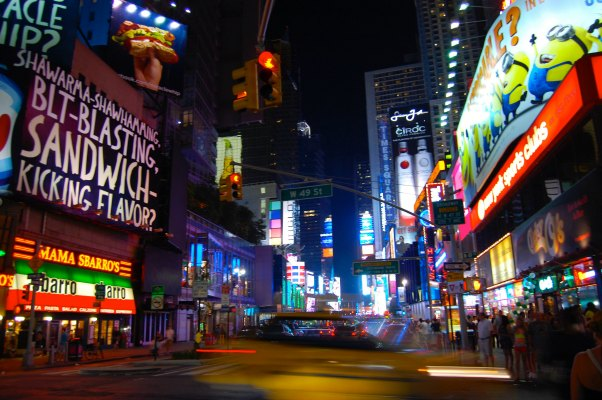 New York City with Teens (and Tweens) | TheWanderingHousewife.com