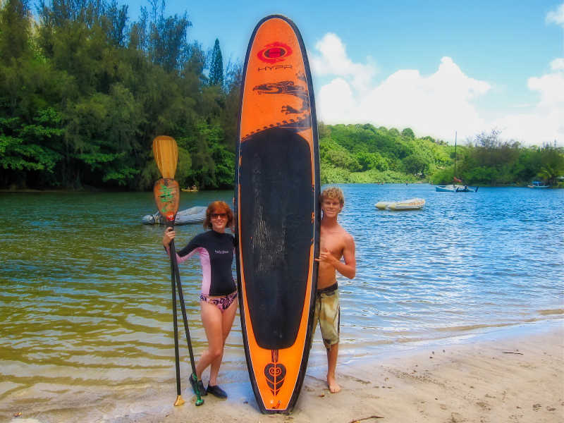 Stand Up Paddle in Kauai | THEWANDERINGHOUSEWIFE.COM