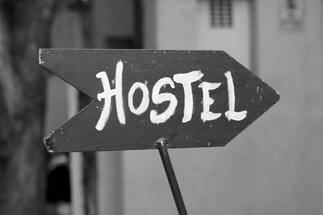 Travel Cheap Tips — #4 Staying in Hostels | TheWanderingHousewife.com