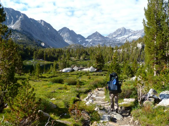 CALIFORNIA: Backpacking at Chickenfoot Lake (Little Lakes Valley, California) | TheWanderingHousewife.com