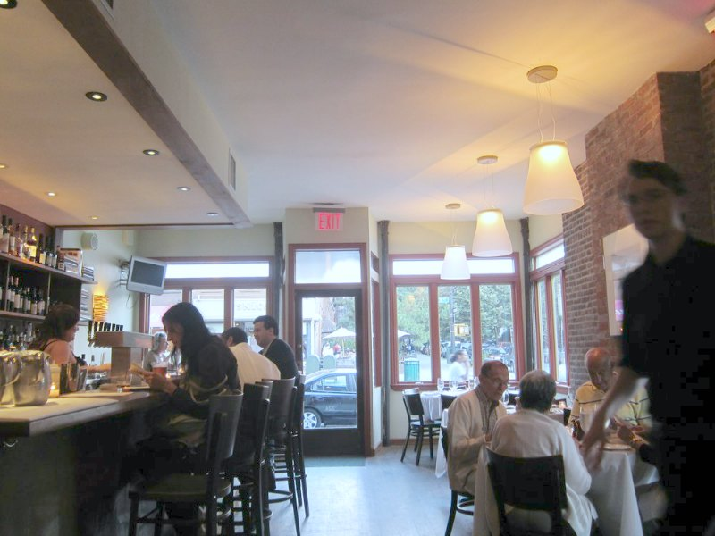 Stone Park Café—5 Places to Get the Best Brunch in Brooklyn | TheWanderingHousewife.com